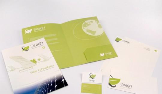 diseño carpeta empresa sobre tarjetas